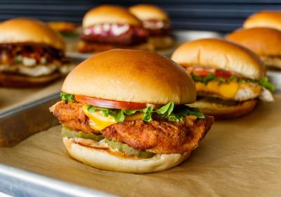 Miami restaurant chain launches new chicken sandwich to compete with Popeyes.
