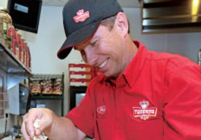 Fast food CEOs like Toppers Pizza's Scott Gittrich build trust with employees.