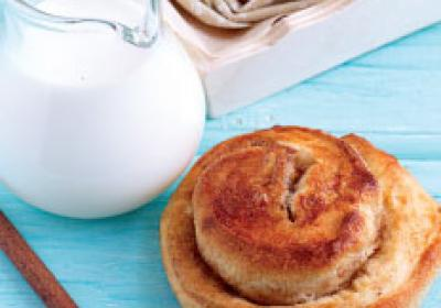 Baked goods like cinnamon rolls give fast food restaurants a breakfast staple.