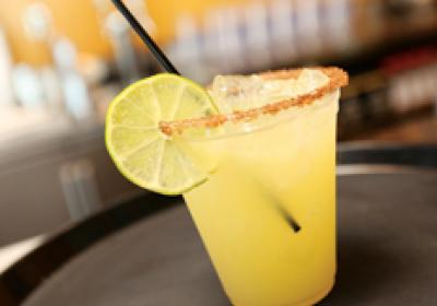 Fast casual brands attract customers with alcoholic beverage programs