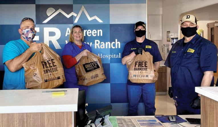 Dickey's Barbecue Pit franchisee donating food to local hospital