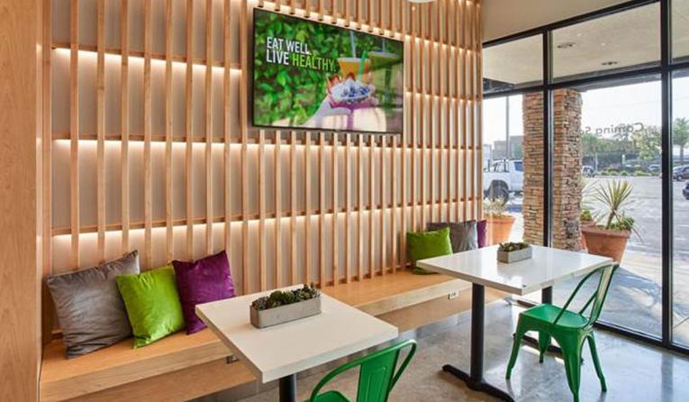 Juice It Up! interior of store.