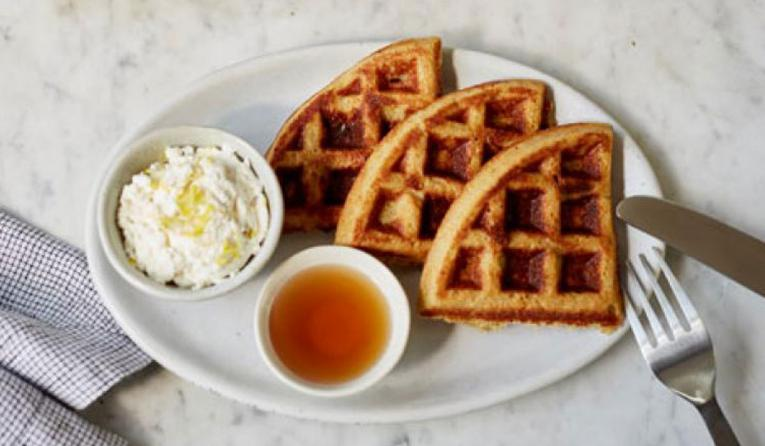 Dig waffle on a plate.