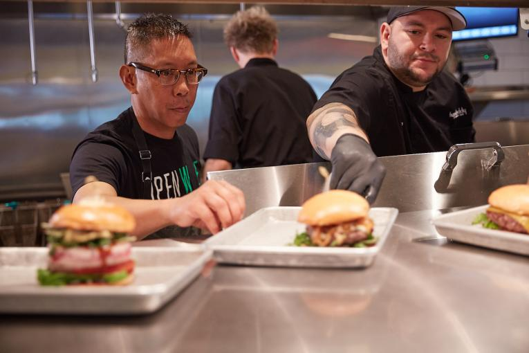Premium burger restaurant chain embraces takeout model during pandemic.