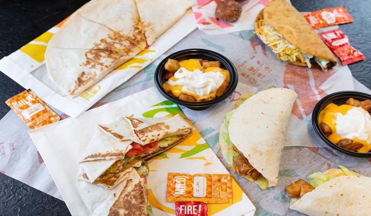 Taco Bell platter of food.
