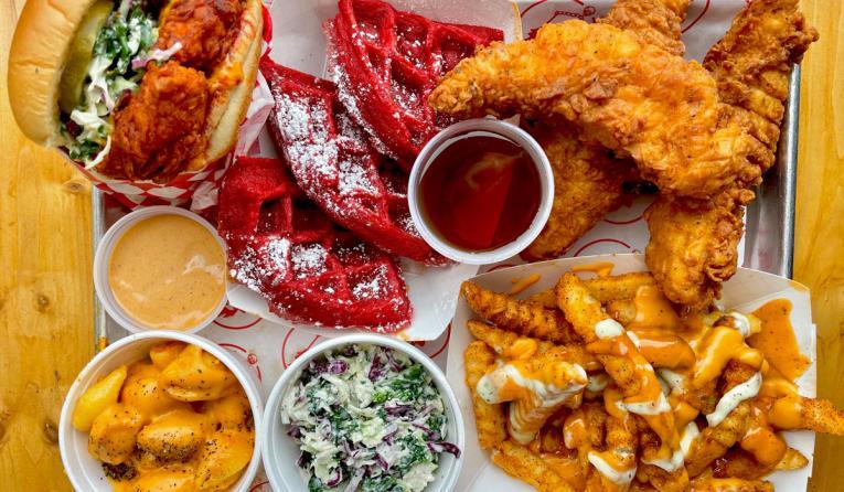 Lucky's Hot Chicken platter of food.