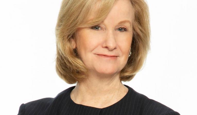 Jill Golder headshot