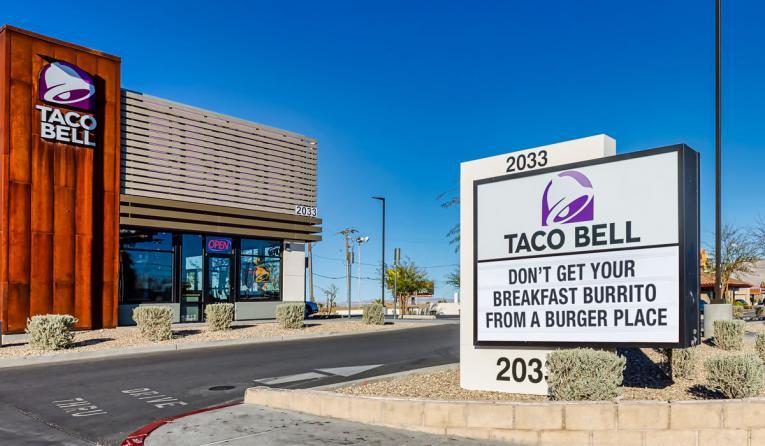 Taco Bell exterior.