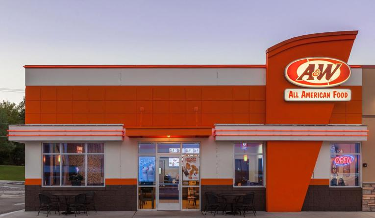 The front of an A&W restaurant building.