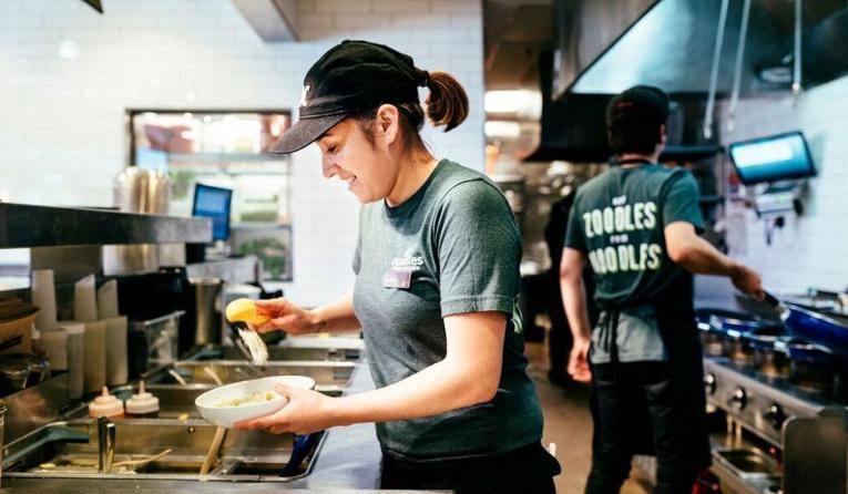 Noodles & Company launches progressive phase-out/phase-in benefit for expecting team members.
