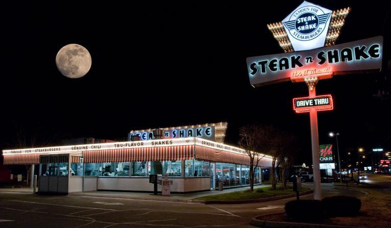 Steak 'n' Shake at night.