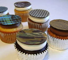 Restaurateurs are taking advantage of the cupcake craze.