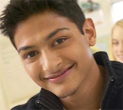 McDonald's helps Hispanic teens pursue college education.