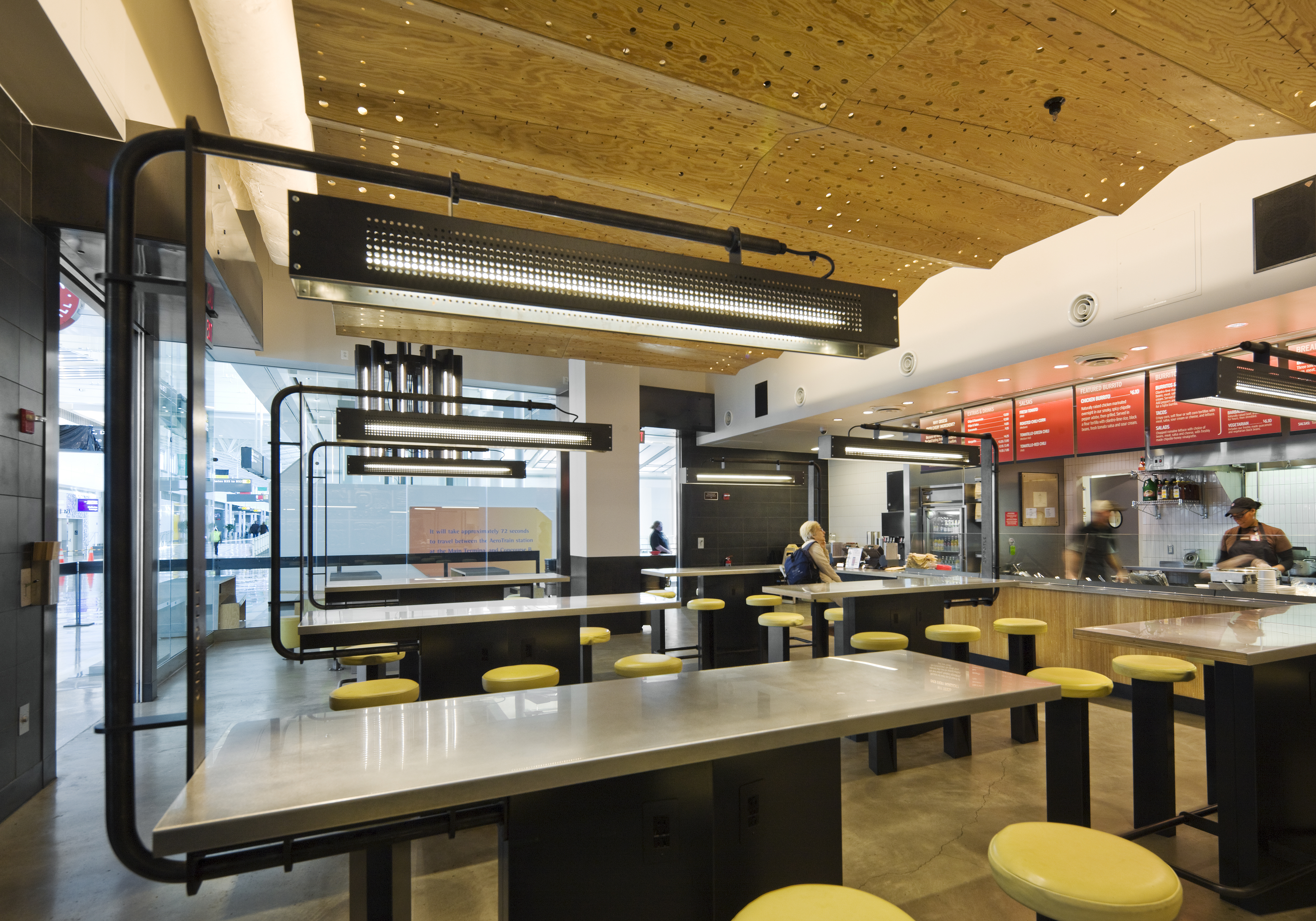 differences blurring between quick serves fast casual restaurant news qsr magazine