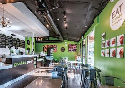 Inside of Grabbagreen fast casual.