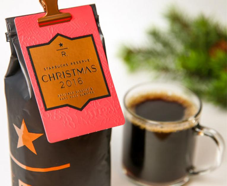starbucks reserve christmas blend now in stores